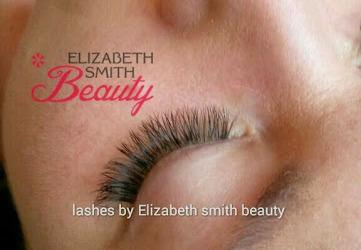 Recent volume eyelash extensions