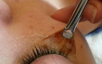 How to shampoo eyelash extensions