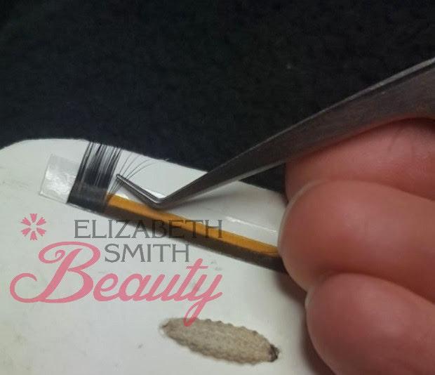 creating volume eyelash fan